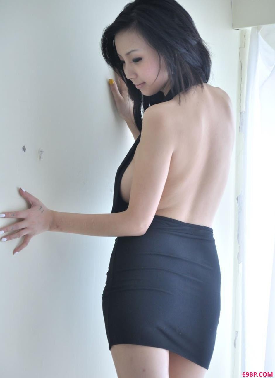 美人依依房间内的诱惑美体1