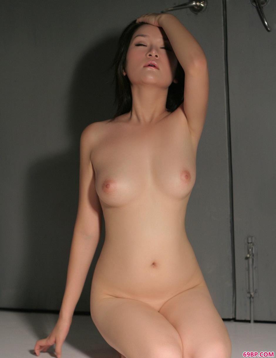 莎丽光影下的美体2_日本丰满美熟裸体