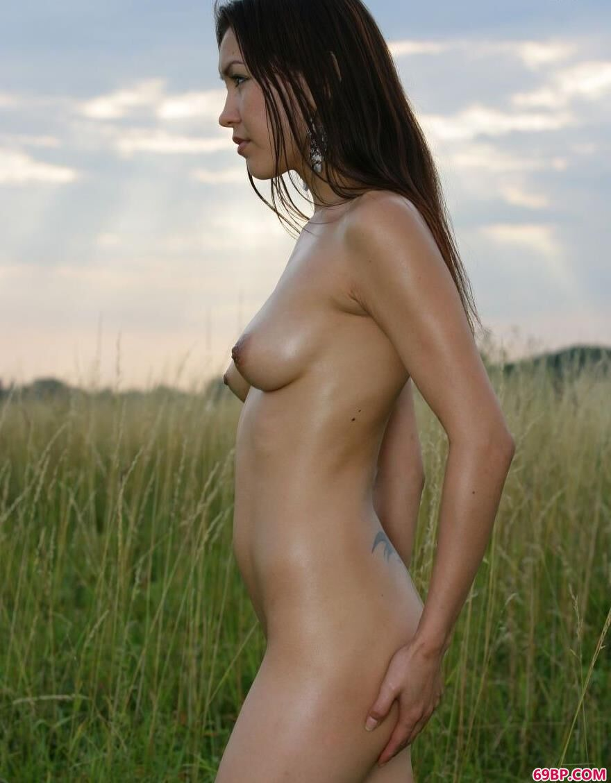 草原上的蒙古姑娘1