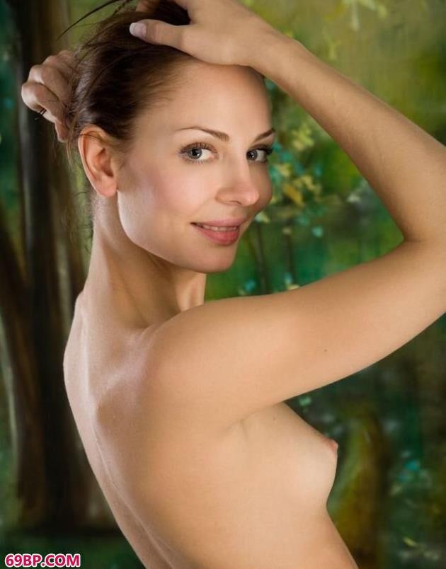 超模Hazel棚拍柔美人体_337P《啪啪人体》